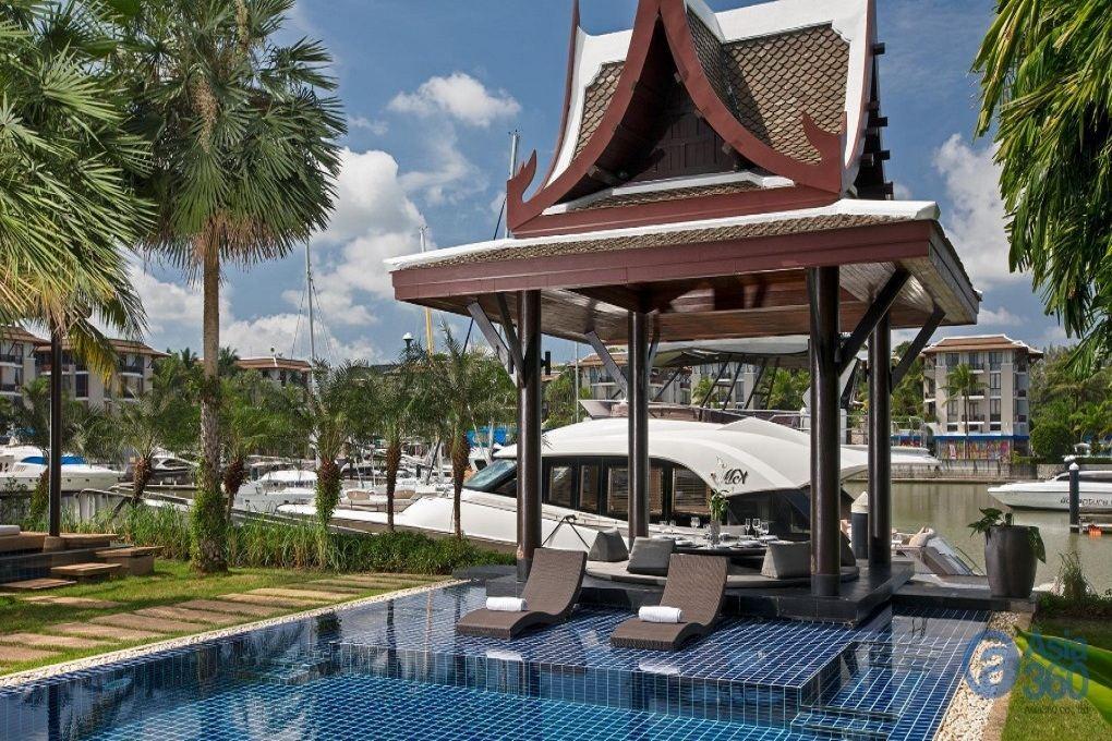 Villa with Own Berth, RPM