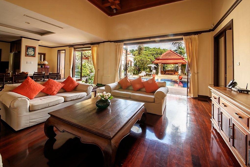Family Villa in Sai Taan, Laguna