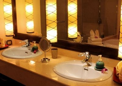 Large Luxury Villa Home For Sale Phuket Beachfront Bang Tao Thailand (41)-2lhnjhs
