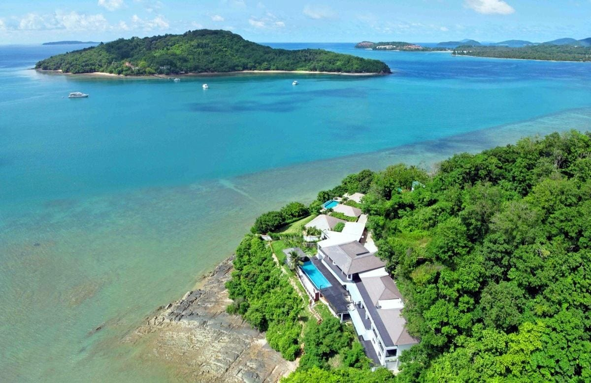 Ocean Waterfront 6 Bed Villa on Private Peninsular