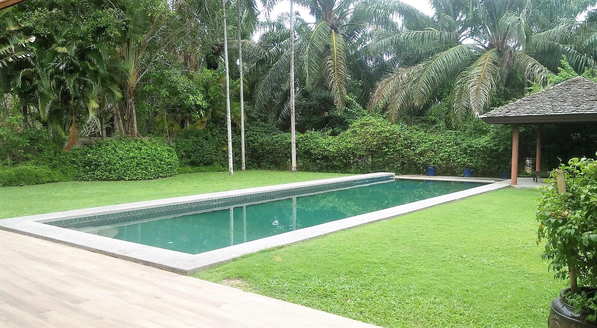 4 Bedroom Pool House in Soi Pasak 8 (Non-Estate)