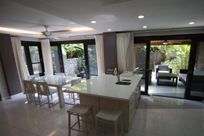 3-bed-apartment-beach-front-bang-tao-phuket-19